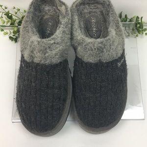 Skechers Gray Fur/Knitted Mule Slip Ons Sz 8